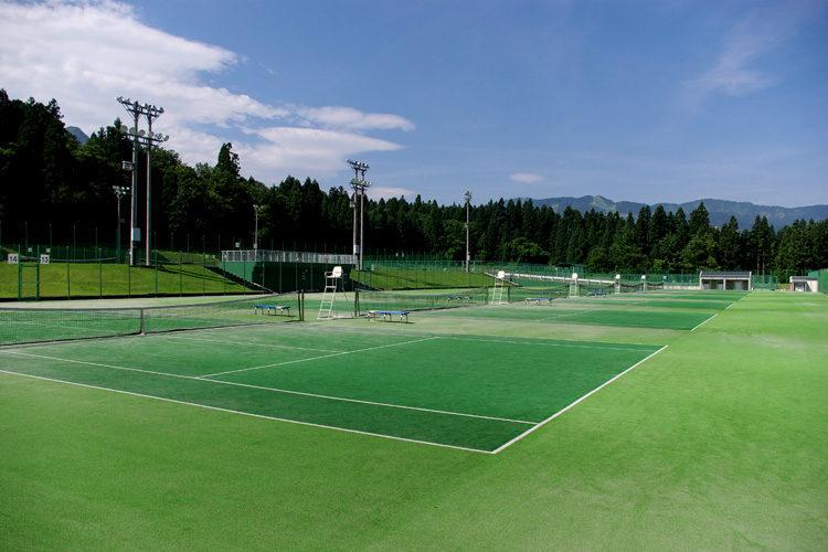 公営テニスコート